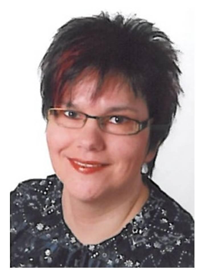 Frau Stoehr, Leiterin VHS