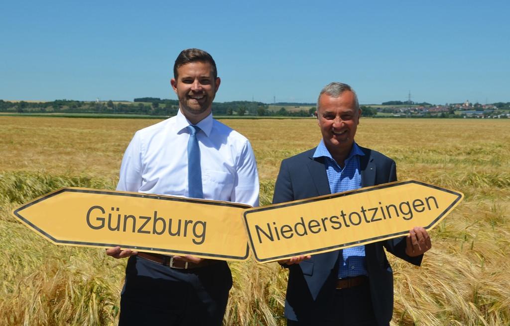 Niederstotzingens Bürgermeister Marcus Bremer und Günzburgs Oberbürgermeister Gerhard Jauernig